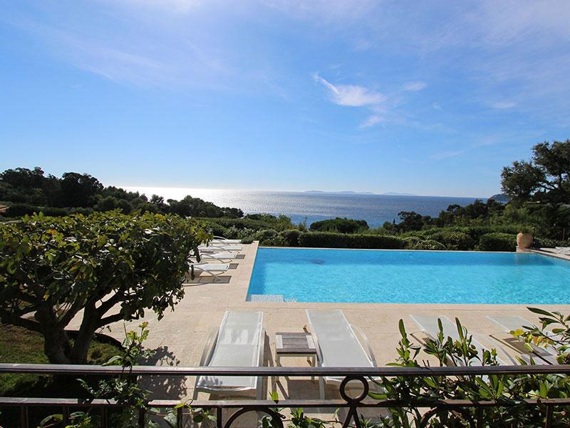 Chambres d 39 h tes piscine provence alpes c te d 39 azur for Location villa cote d azur piscine